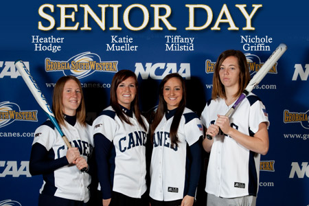 Seniors shine in doubleheader sweep of Lander