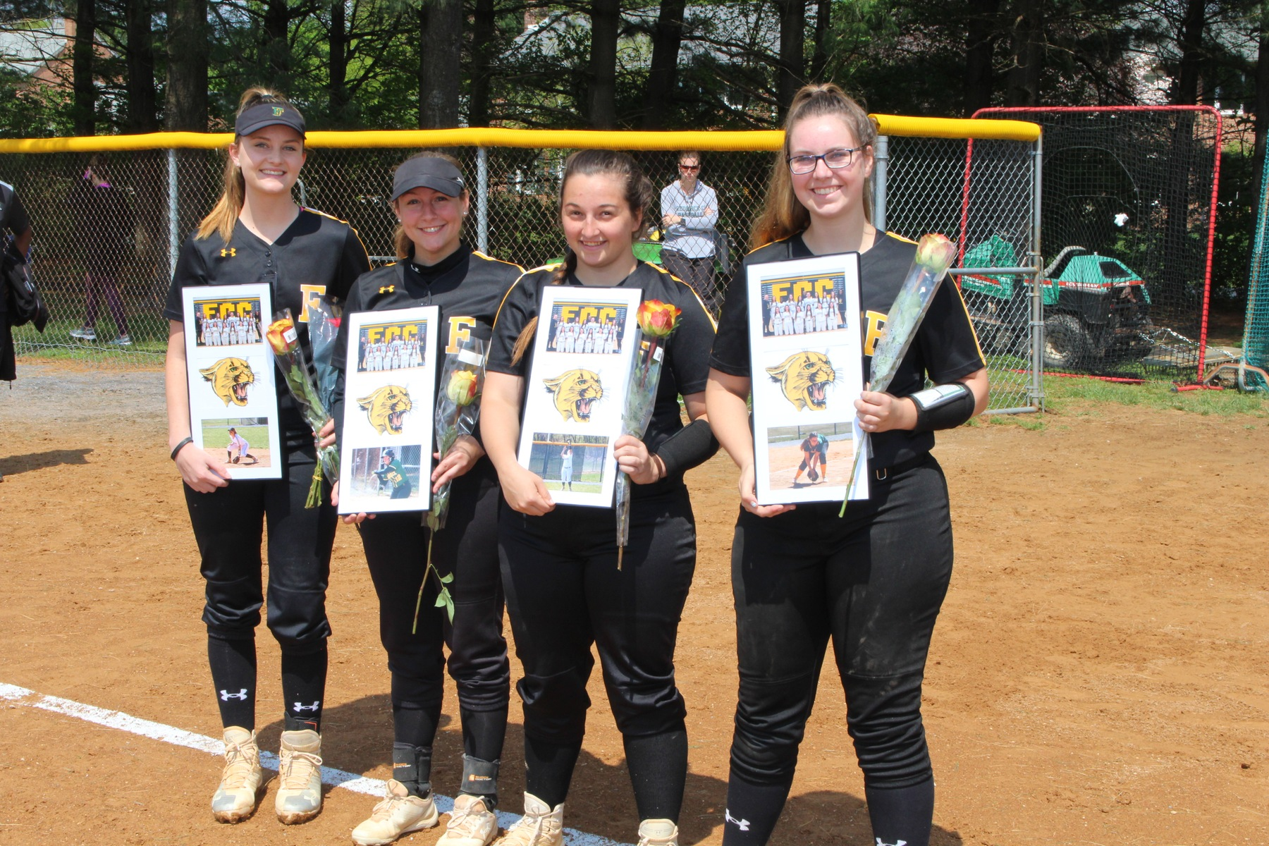 Softball sweeps doubleheader against AACC on sophomore day