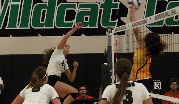 Wilmington Volleyball Splits a Pair on Day One of 2016 Wildcat Regional Invitational