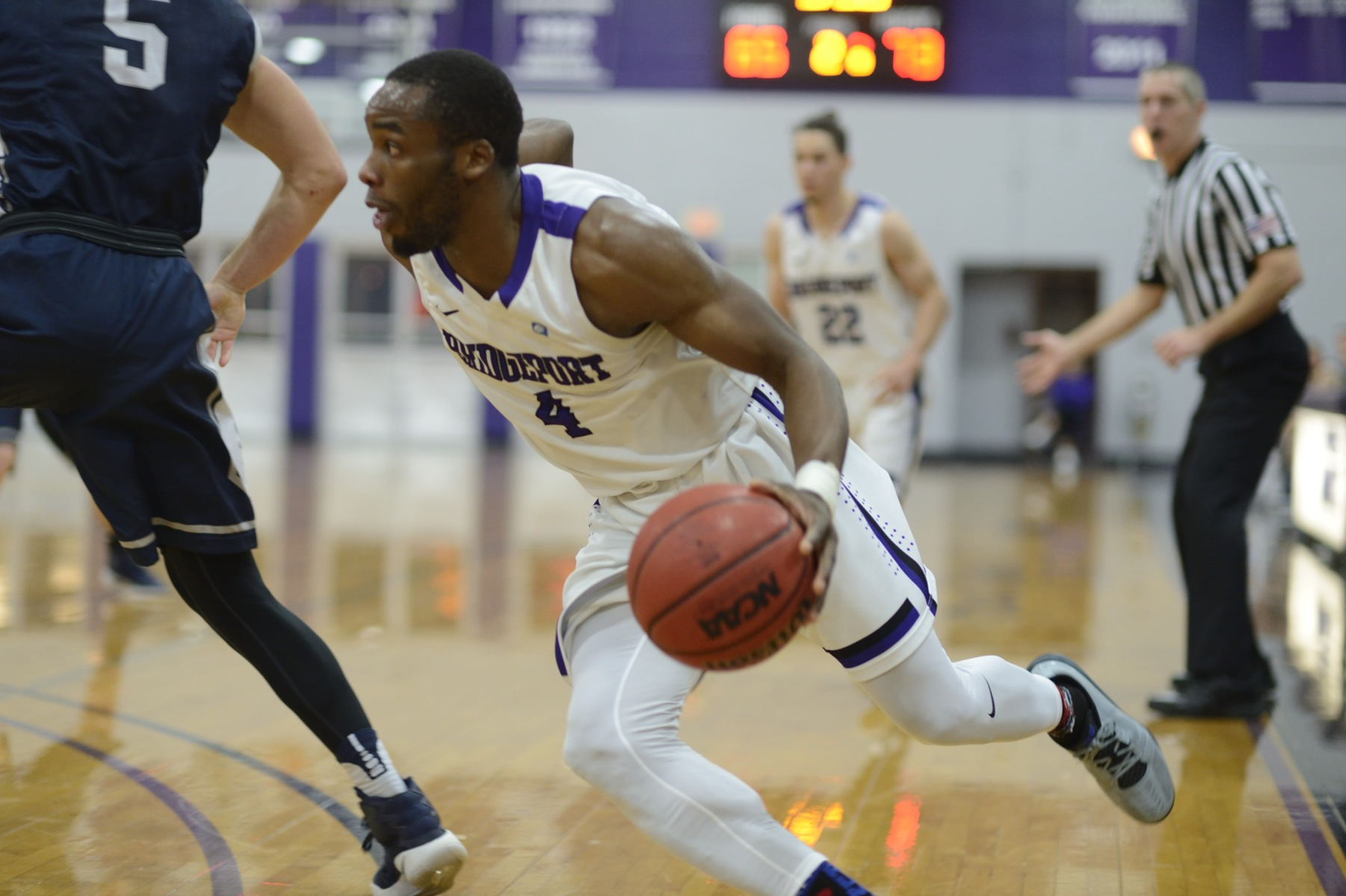 Purple Knights Rally To Top ECC Men's Basketball Leader St. Thomas Aquinas, 90-89
