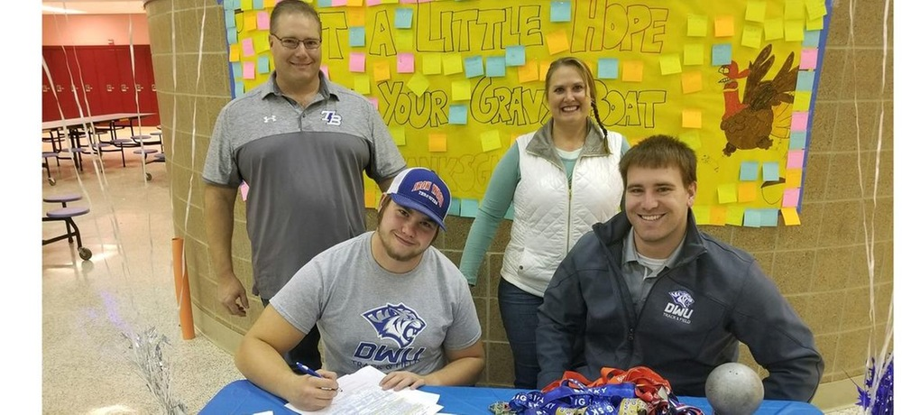 Ryan Kienzle signs with DWU men's track and field