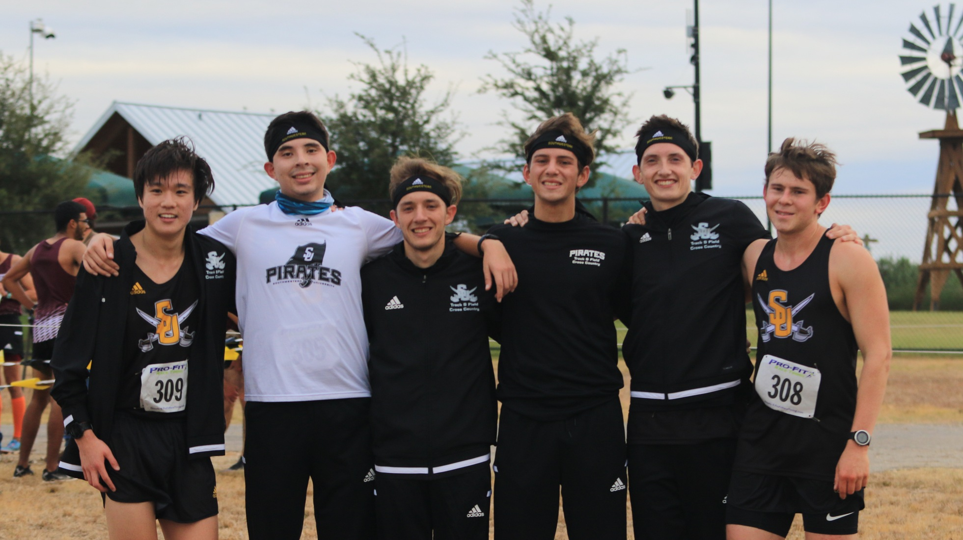 Men's Cross Country Wraps Up Season at Regionals