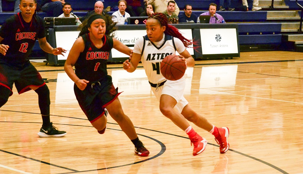 Sophomore Sydni Stallworth scored 10 points with eight rebounds and seven assists but the Aztecs fell short again against Mesa Community College 60-58. The Aztecs are now 21-7 overall and 15-6 in ACCAC conference play. They will be the No. 2 seed in the Region I, Division II tournament in a few weeks. Photo by Ben Carbajal.
