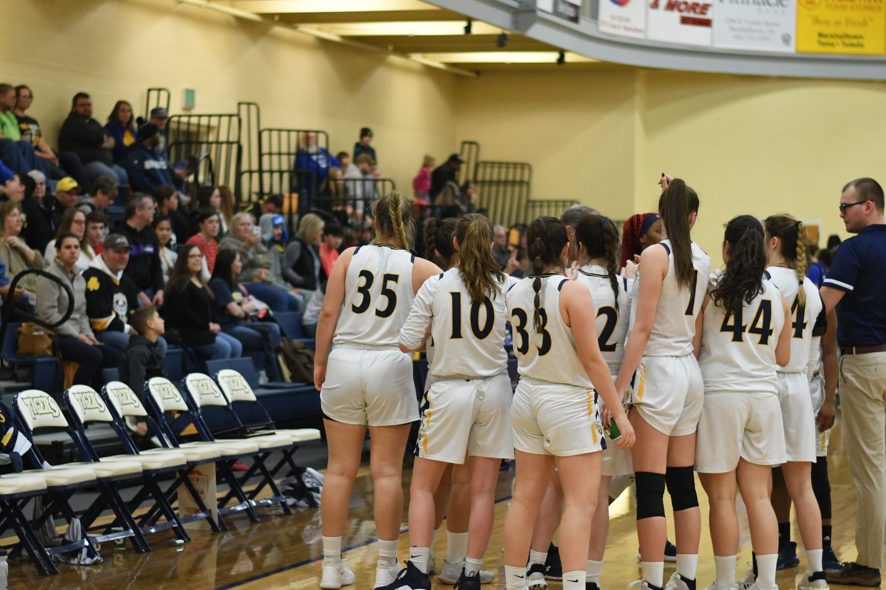 MCC women with back-to-back wins