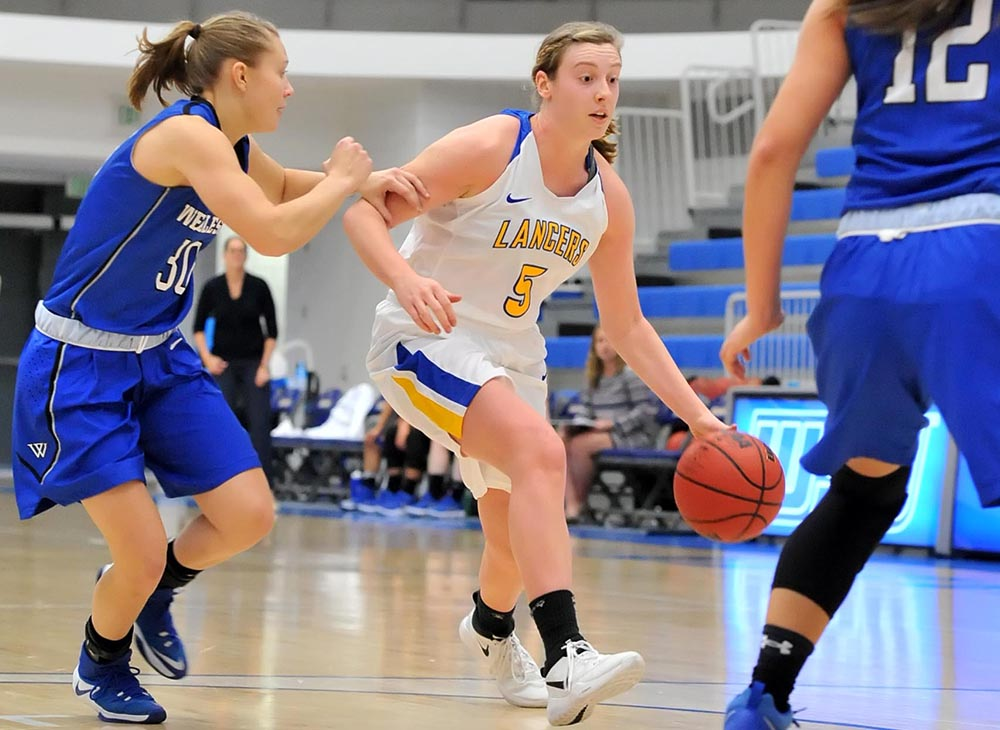Women's Basketball Drives Past Keene State, 73-58