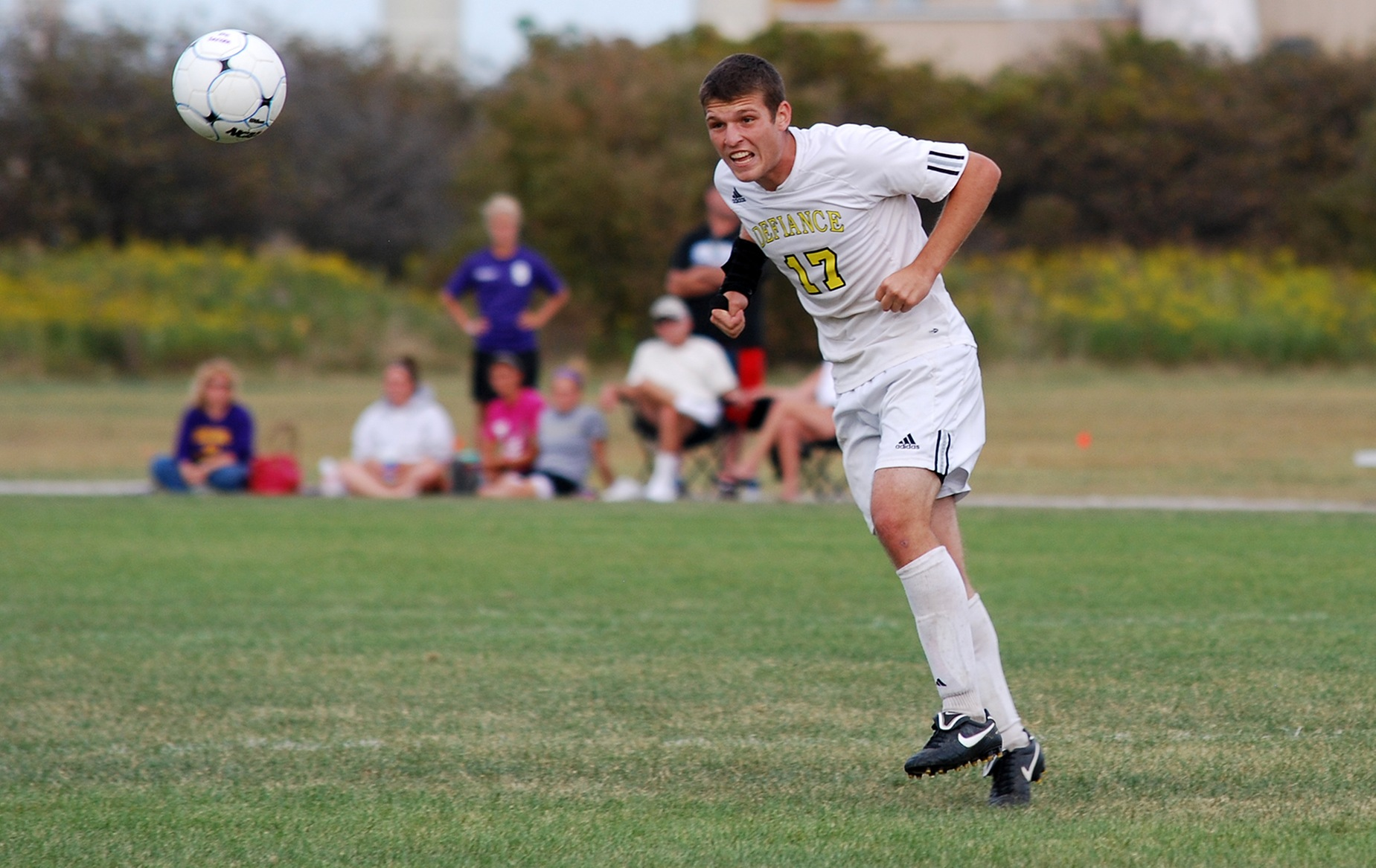 Men's Soccer Suffers First Conference Loss Against Franklin