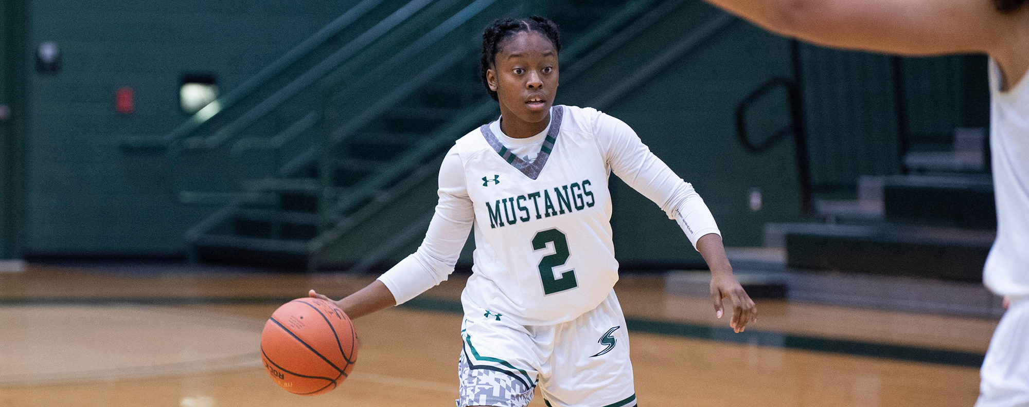 Mustangs Lead Wire-to-Wire in Win at Hood