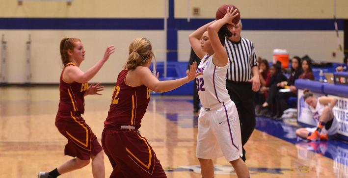 Women's Basketball cruises by Concordia Chicago