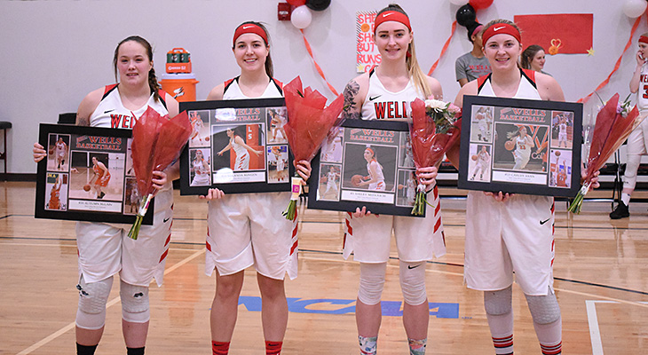 Women's Basketball Honors Seniors In Final Home Game