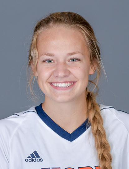 Cassidy Broekhuizen poses for a headshot.