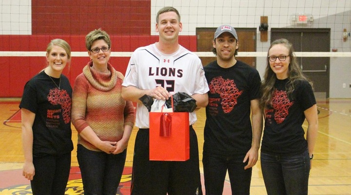 Men's Volleyball Cruises Past Lesley on Senior Night, 3-0