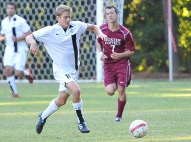 Petrels Top Centre, Clinch Bye in SCAC Tourney