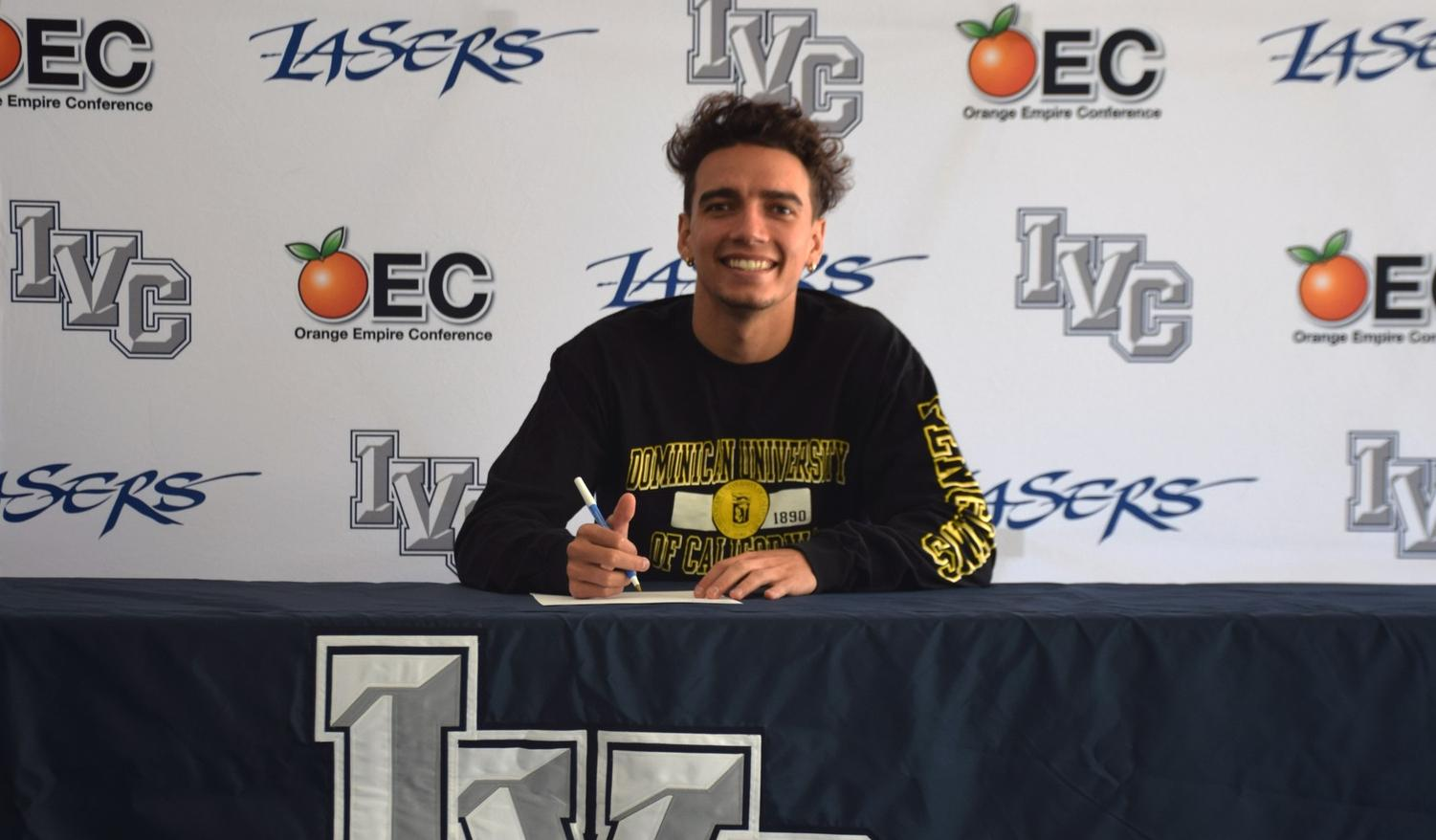 Men's basketball player Anthony Hernandez signs with Dominican