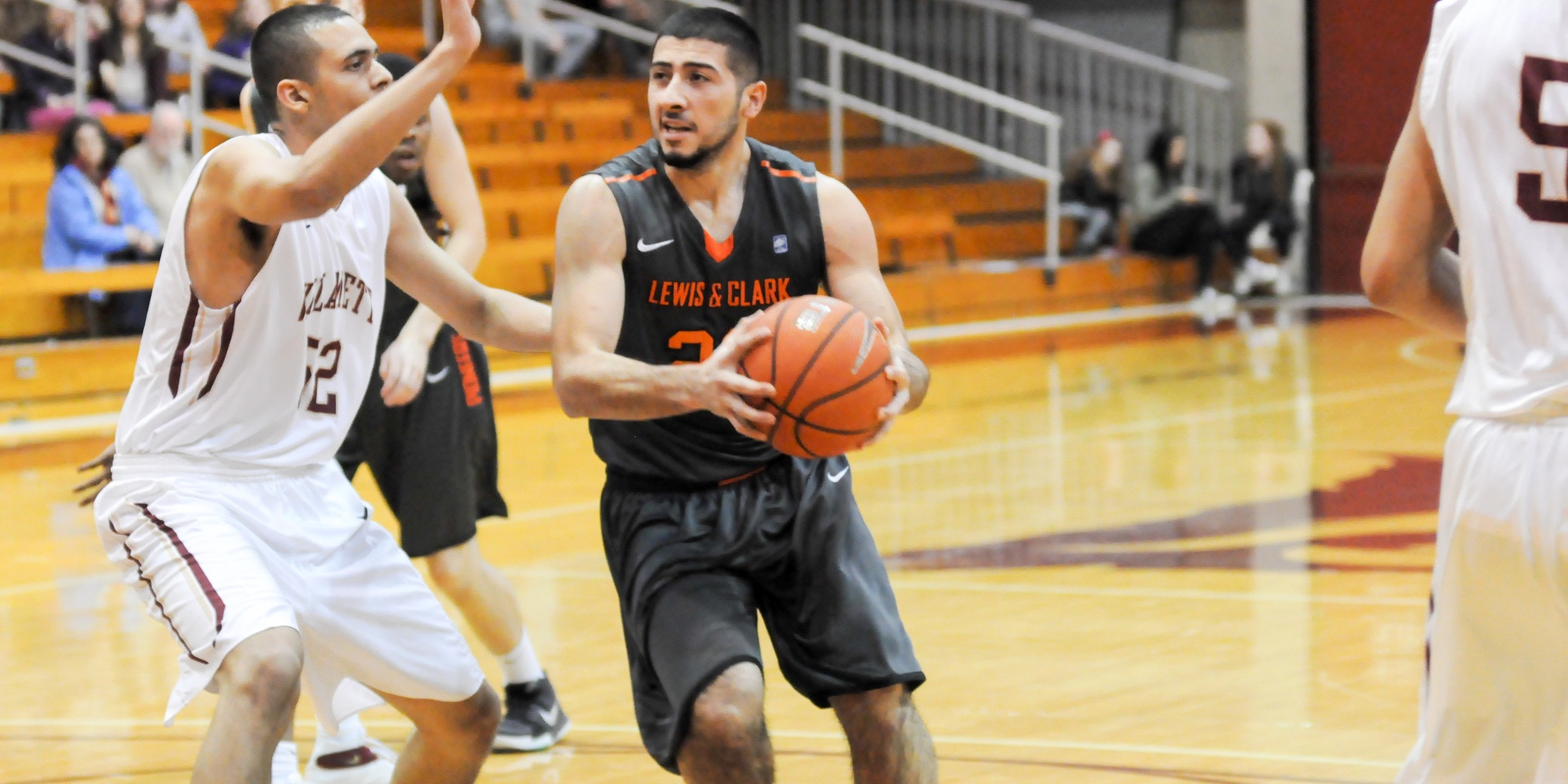 Pios challenge No. 5 Whitworth late in season-ending defeat