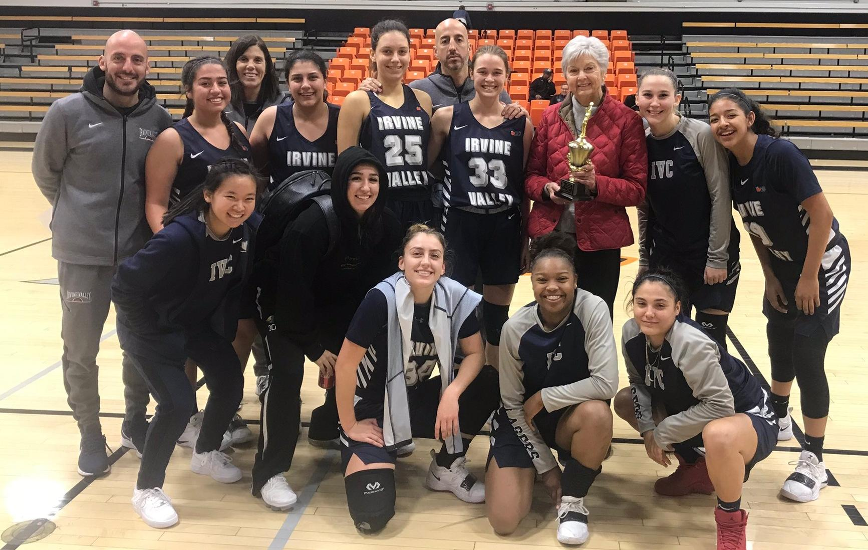 Women's basketball team takes consolation title at Ventura