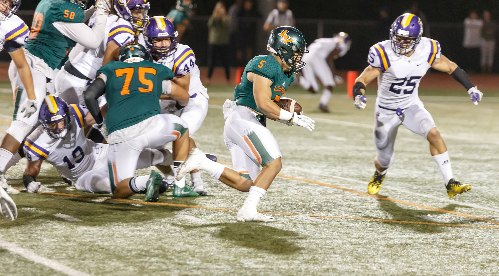 Stags edge Leopards on Homecoming