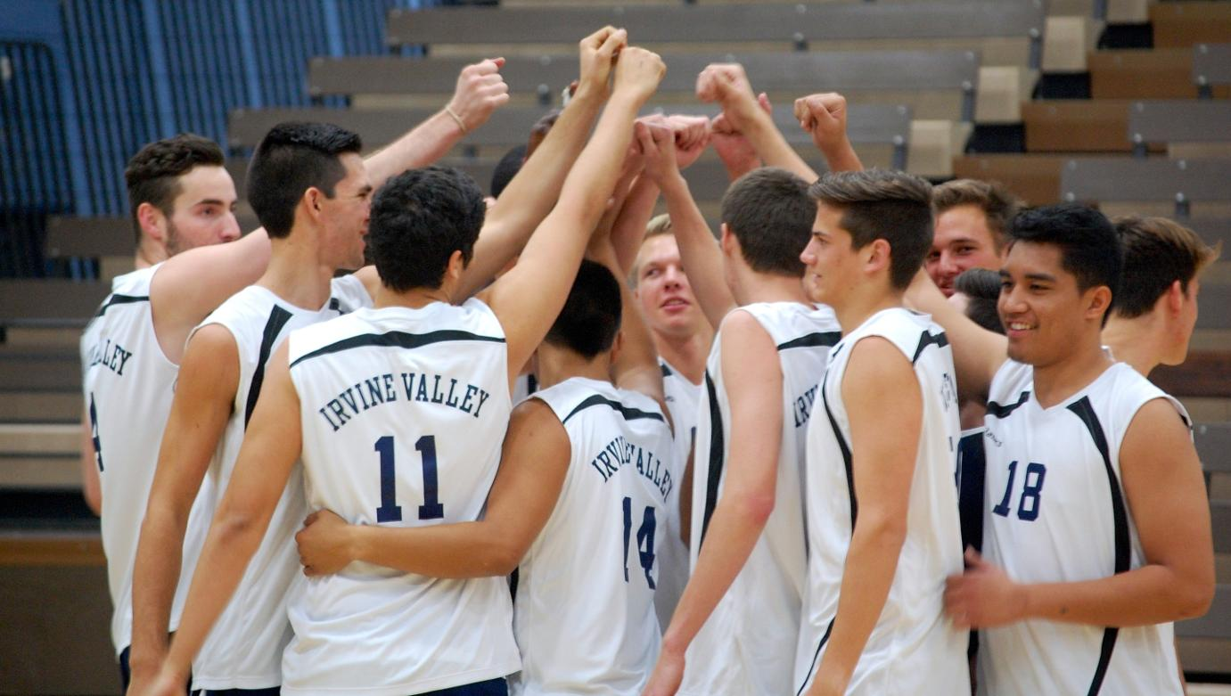 Men's volleyball team loses in five sets to Santa Barbara City