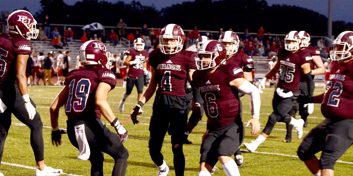 Team Effort Lifts Evangel Past No. 12 Benedictine, 28-21