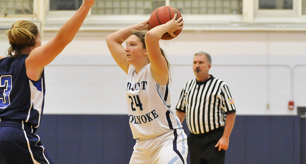 Basketball Falls to Wellesley in NEWMAC Play