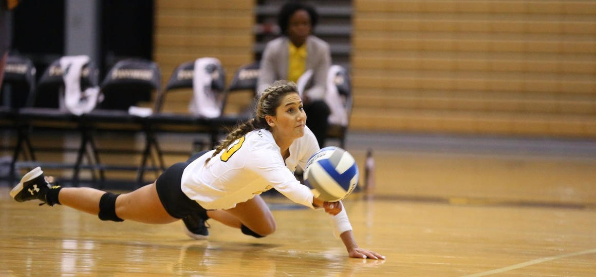 Volleyball Concludes Weekend With Setback To Cedarville
