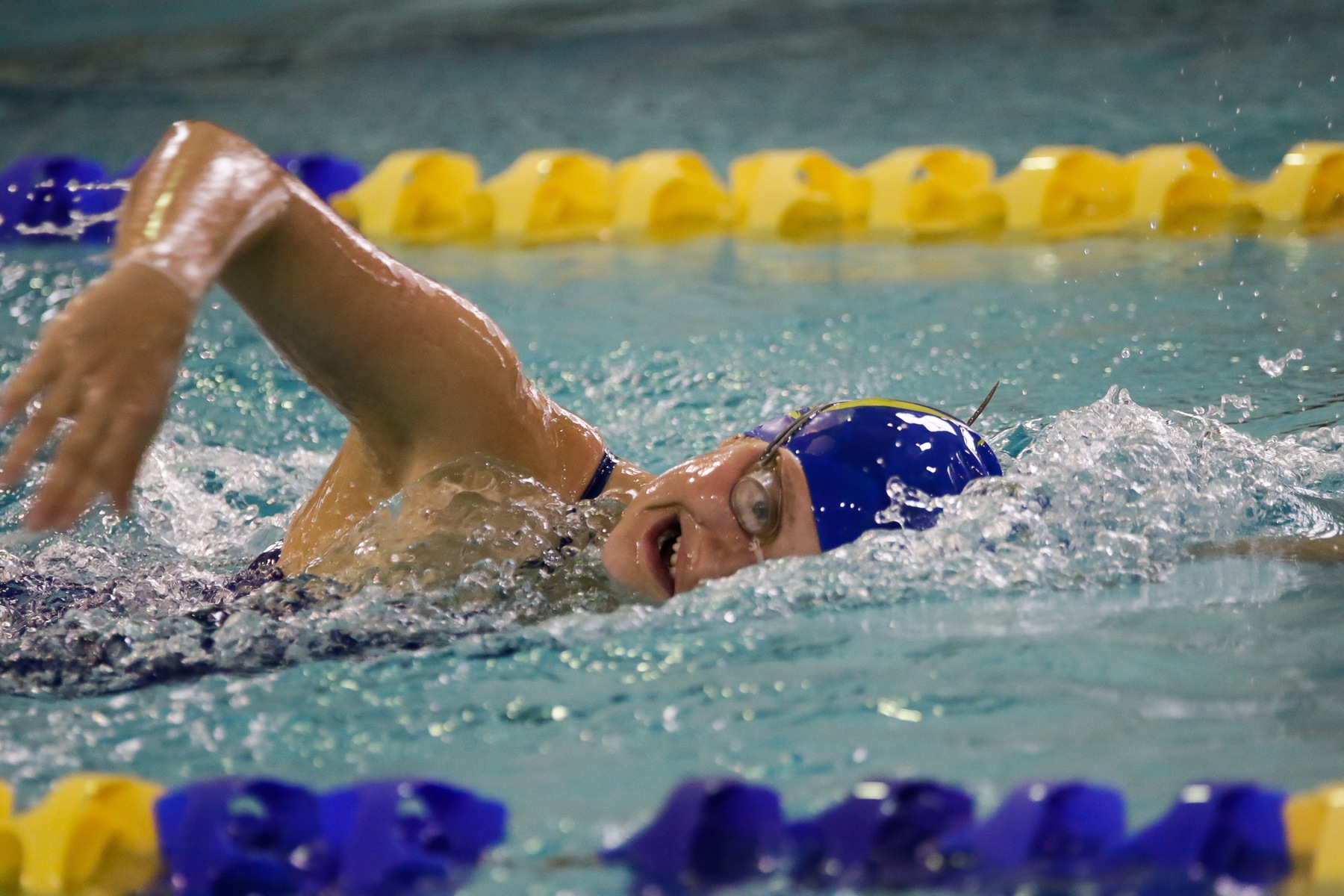 Women Swimmers Take 6th at Nationals