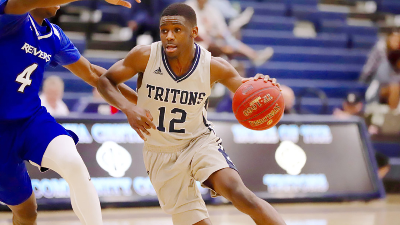 Triton men come up just short