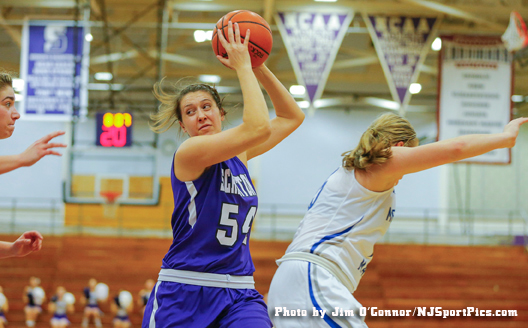 Junior forward Sarah Payonk posted her fifth double-double of the year (18 points, 11 rebounds), as Scranton never trailed in a 20-point win over Elizabethtown Saturday.