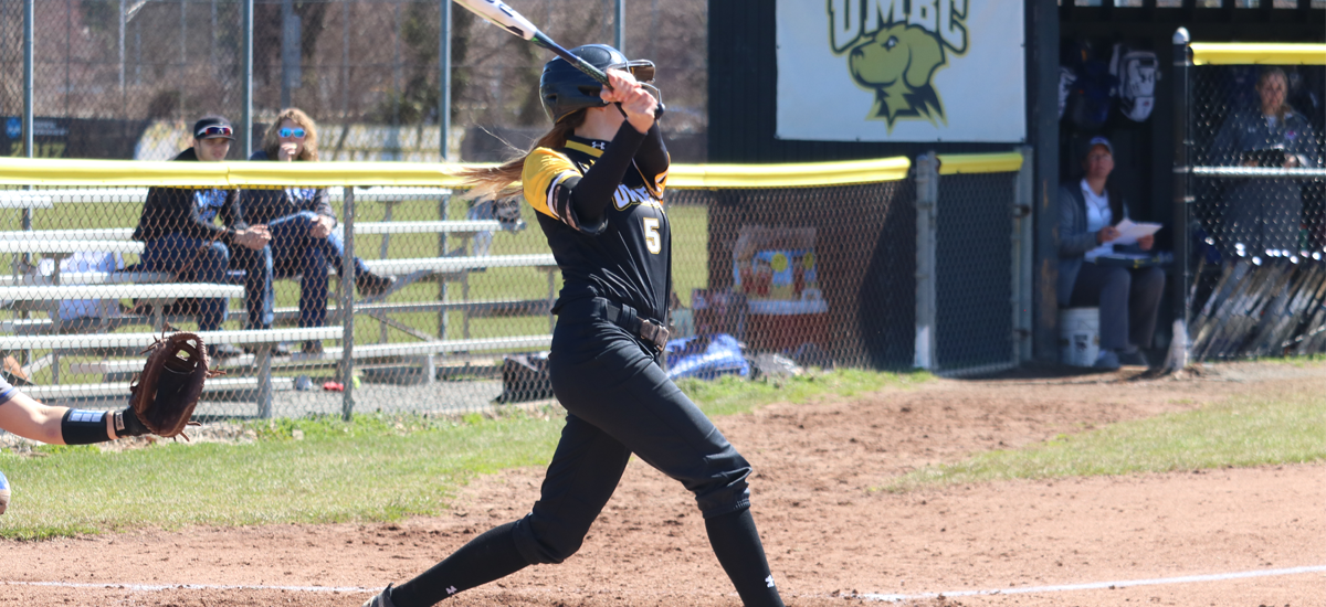 Alexander's Four Hits, Puccio's Complete Game Leads Softball to Split with Stony Brook