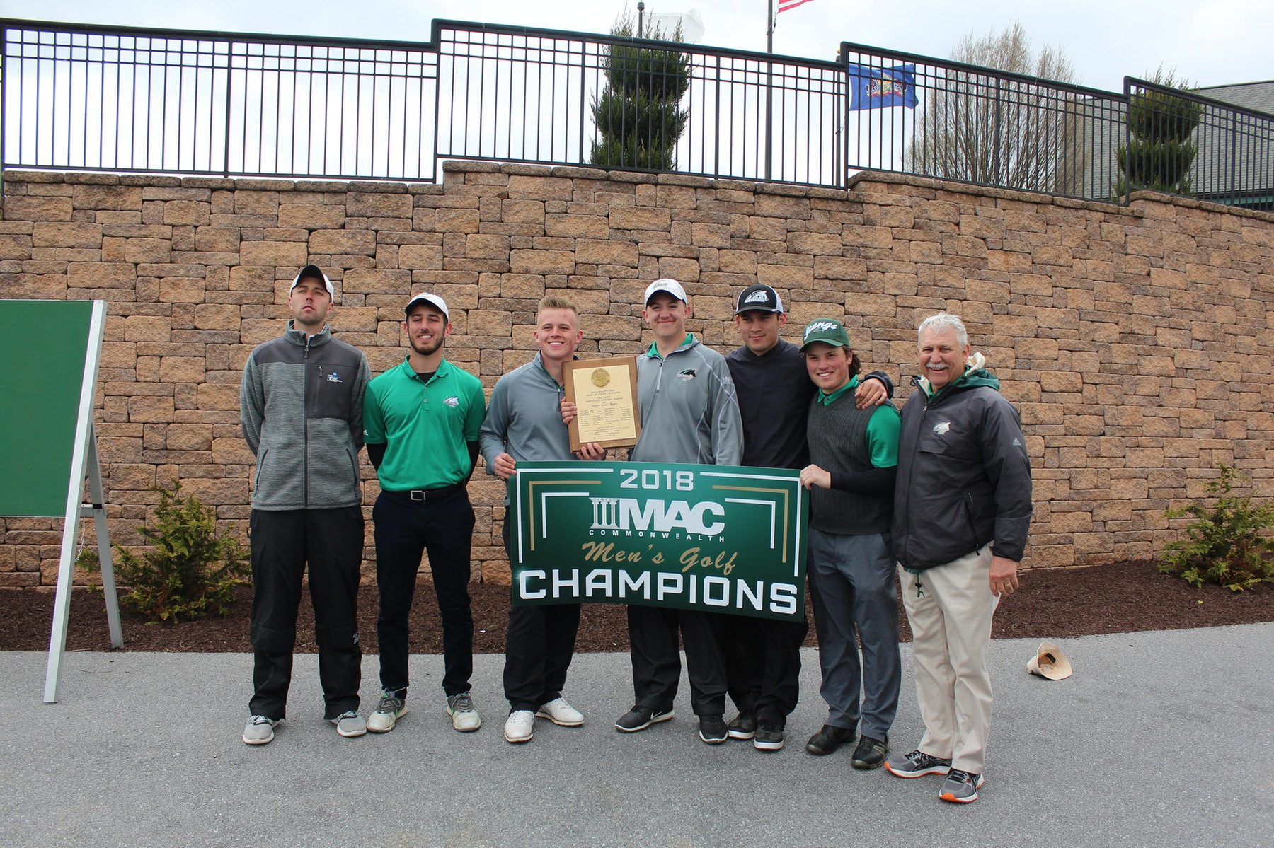 Men's Golf Wins Third-Straight MAC Commonwealth Championship, Shur, Maisel Finish Tied for Third