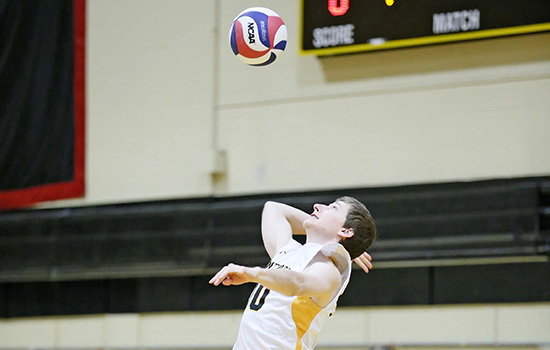 Men's Volleyball Sweeps Mount Ida to End Losing Streak
