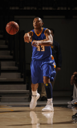 Johnson Scores 31, Gauchos Get Defensive in 59-47 Win at UC Riverside