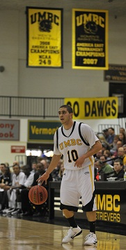 Chris De La Rosa had 20 points and 11 of UMBC's 12 assists at Morgan State.