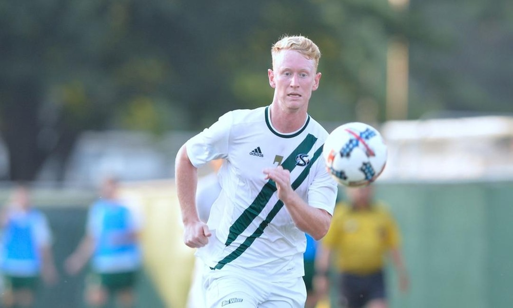 JACKSON SCORES GAME-WINNER, MEN'S SOCCER COMES FROM BEHIND TO BEAT UC RIVERSIDE 2-1