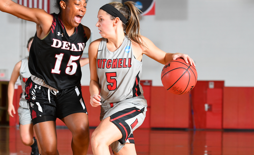 WBB Rolls to Fifth Straight Win