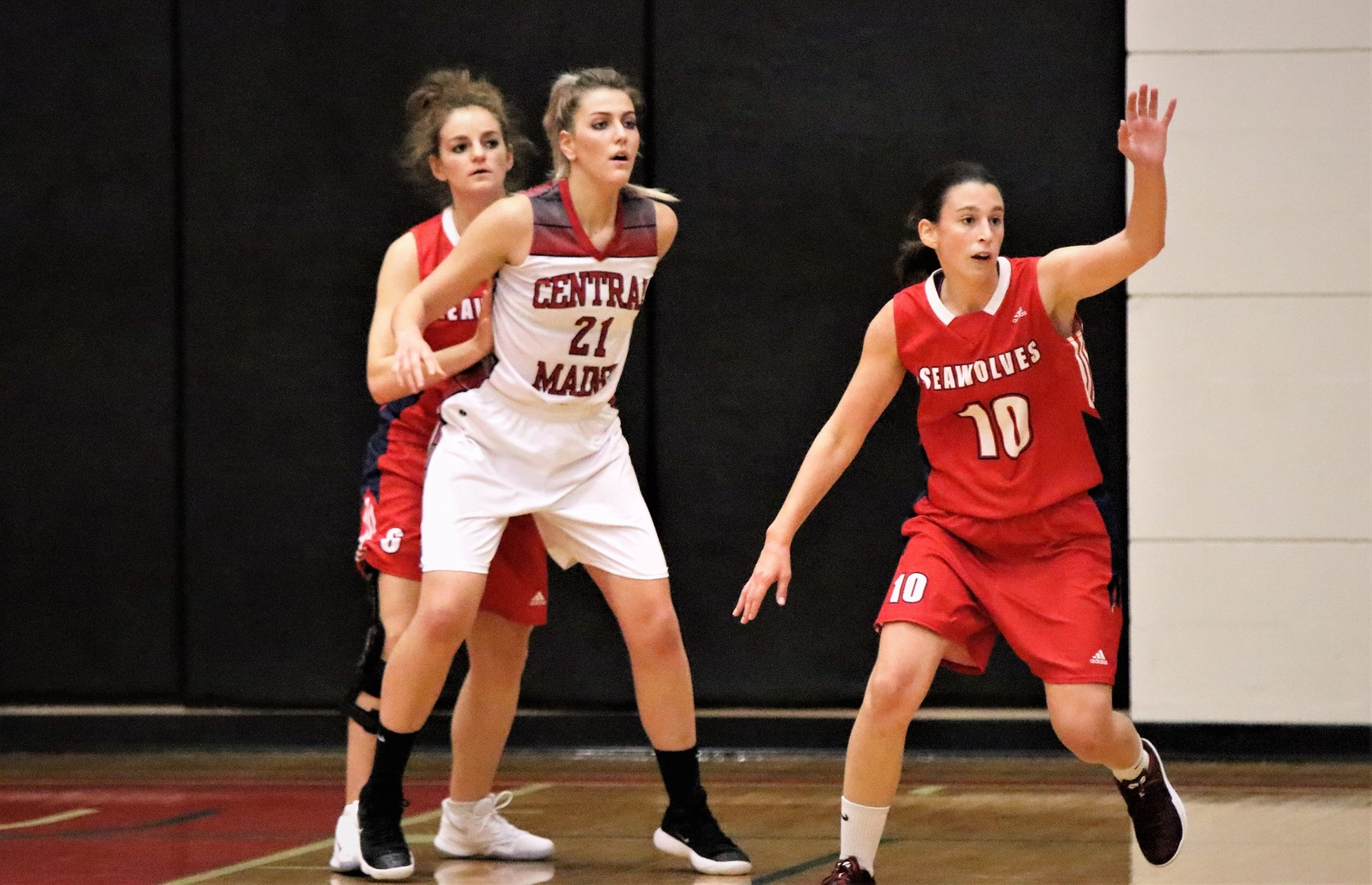 Lady Mustangs stampede UNB - Saint John in 2nd half