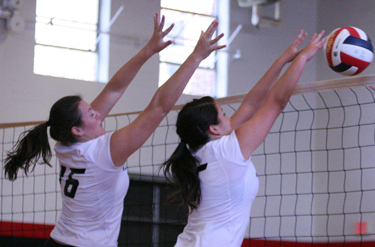Volleyball: Panthers win in five-set thriller against Huntingdon; split two matches Saturday