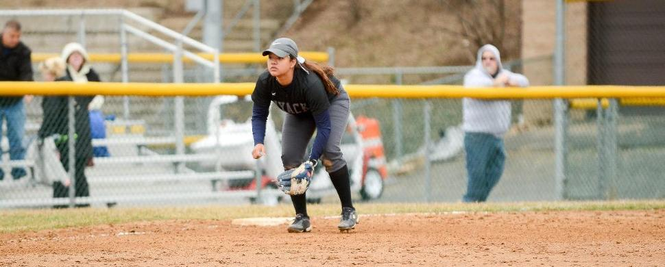Softball Suffers Road Loss with 5-4 and 4-1 Defeats to Holy Family