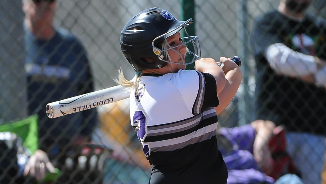 Maddie Siedlik drove in the winning run in the bottom of the seventh inning.