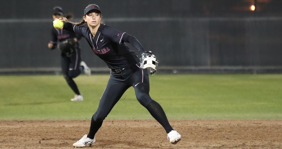 Big Sixth Lifts No. 3 UCLA Over Softball