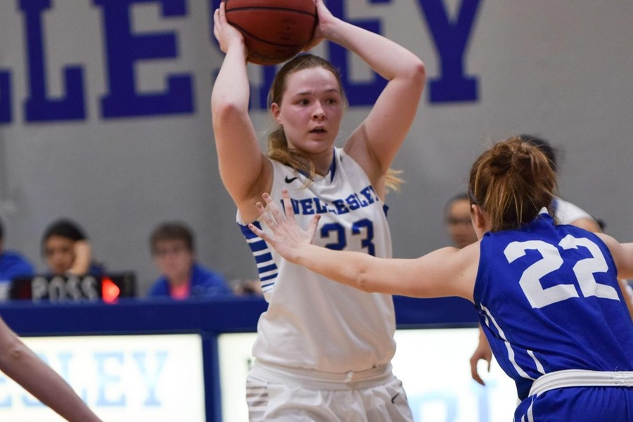 Wellesley rebounded from their slow start when a triple from senior Chelsea Brown tied the game, 12-12, in the second quarter (Julia Monaco).