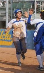 UCSB Picks Up Two More Wins on Second Day of Softball by the Beach Tournament