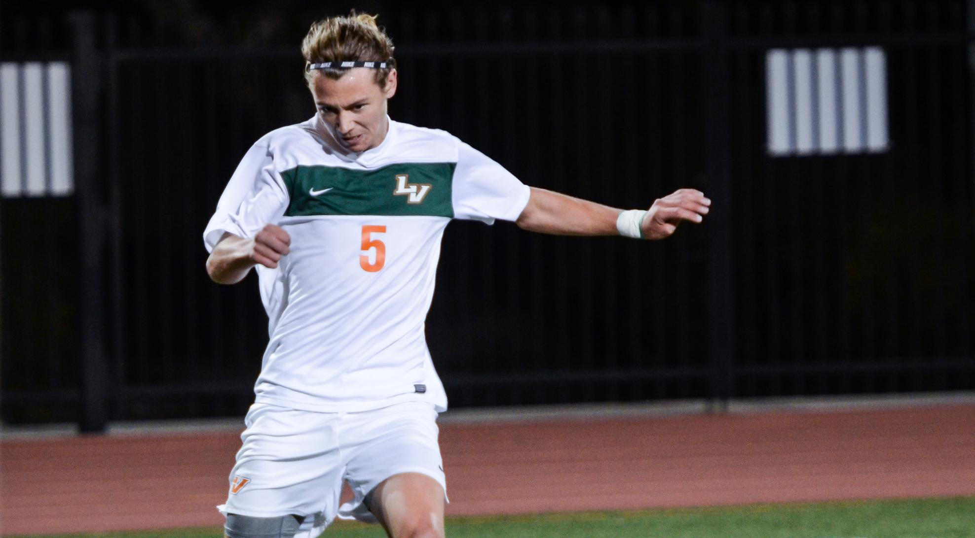 Men's Soccer picked fourth in SCIAC preseason poll
