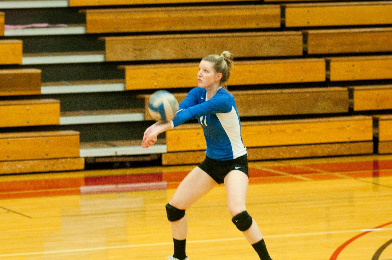 Wentworth Tops Volley 3-0 On Tuesday