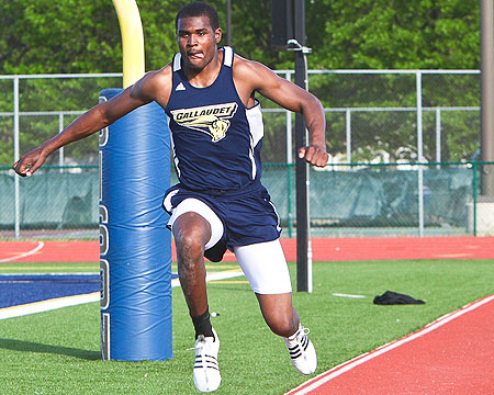 Season Preview: Men's track and field continues to flourish with Flowers leading the way