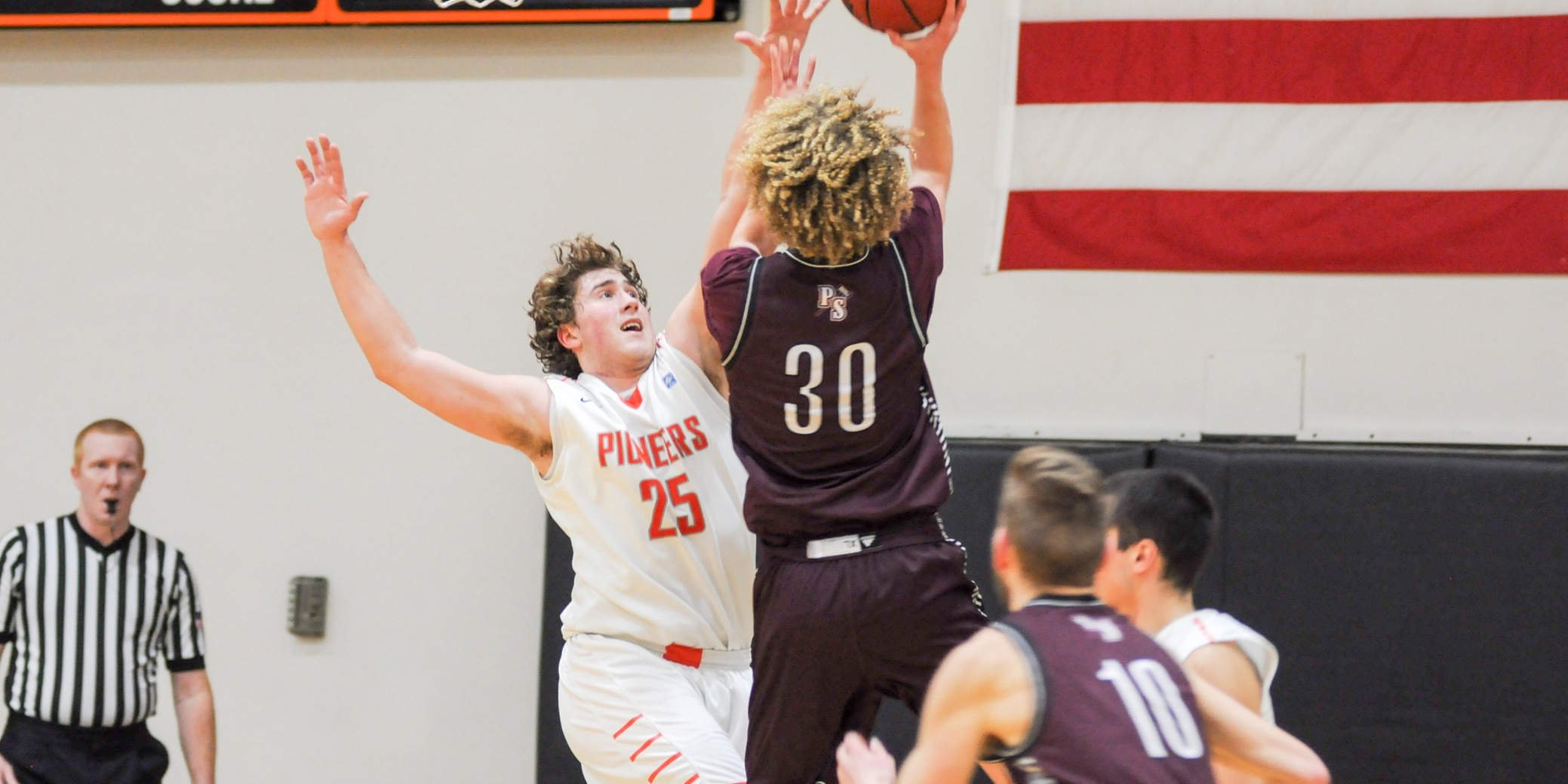 Lewis & Clark's first-half lead evaporates in home loss