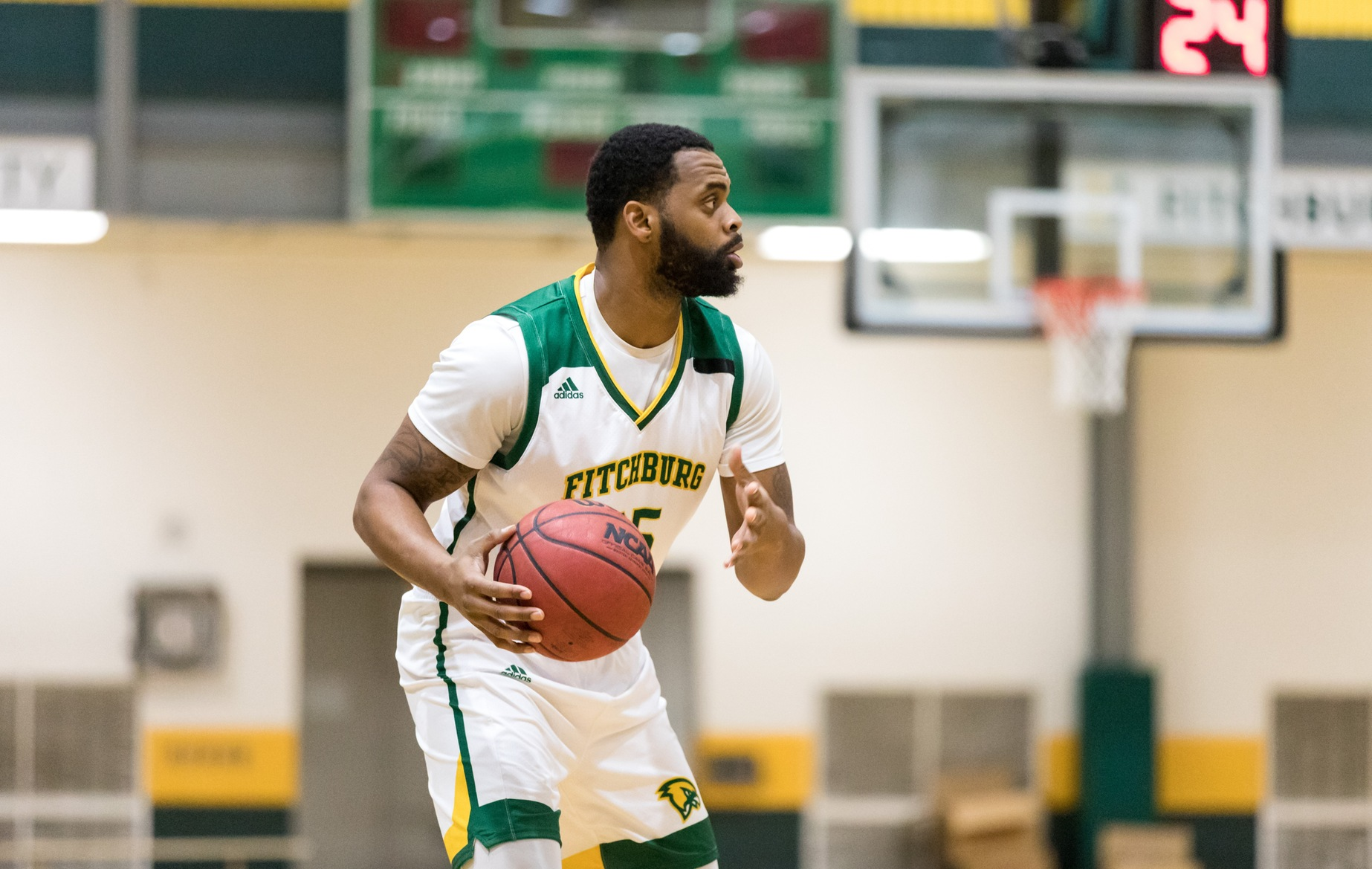 Falcons Roll Past Trailblazers in MASCAC action, 94-73