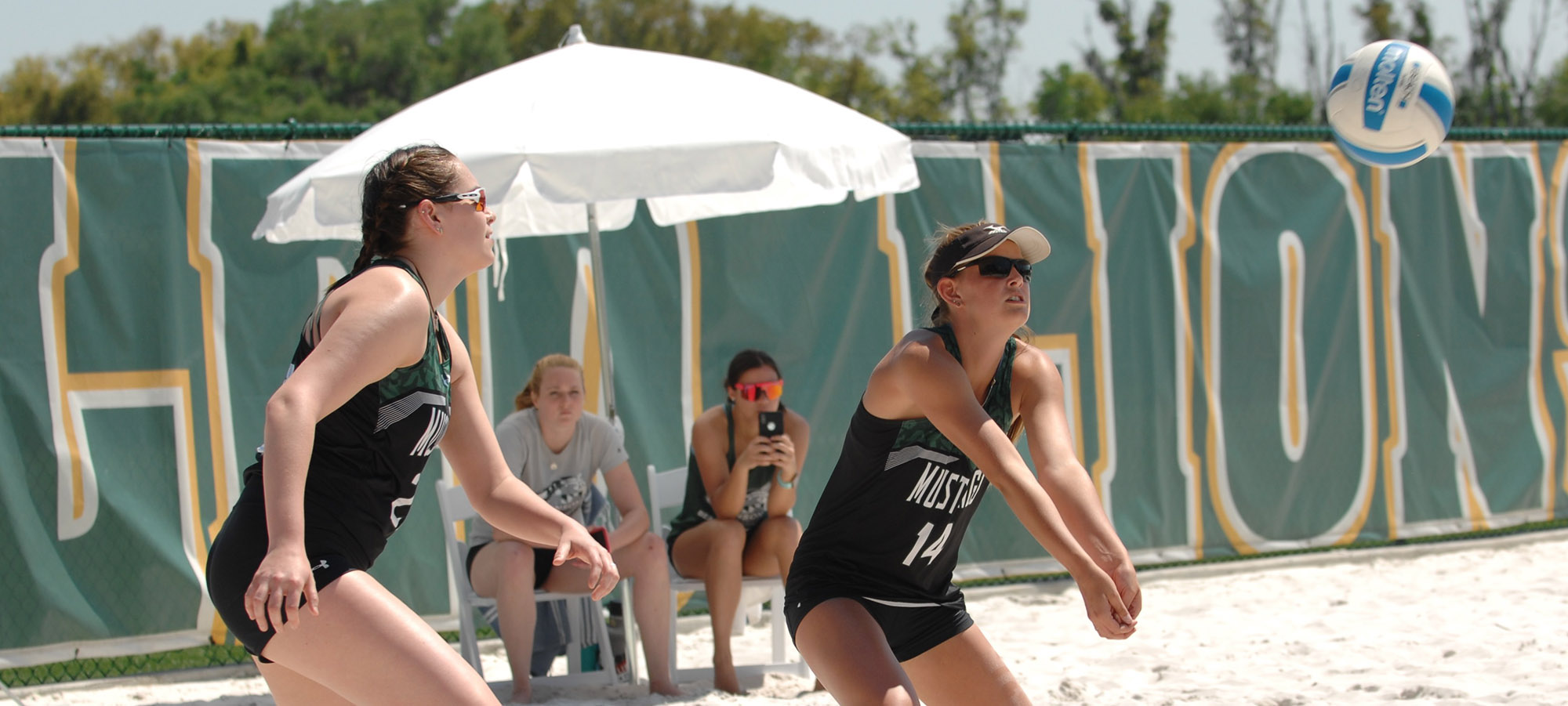 Beach Volleyball Battles in Second Half of Double Dual With Florida Southern