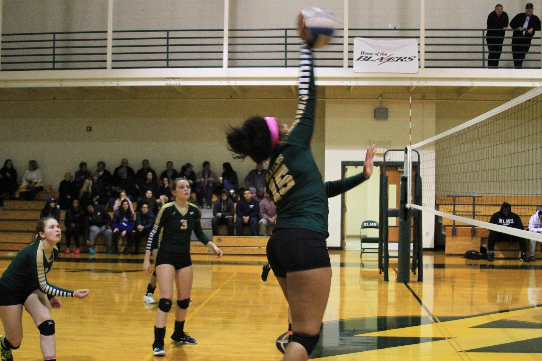 Southern Vermont Upsets Elms In NECC Volleyball Semifinal