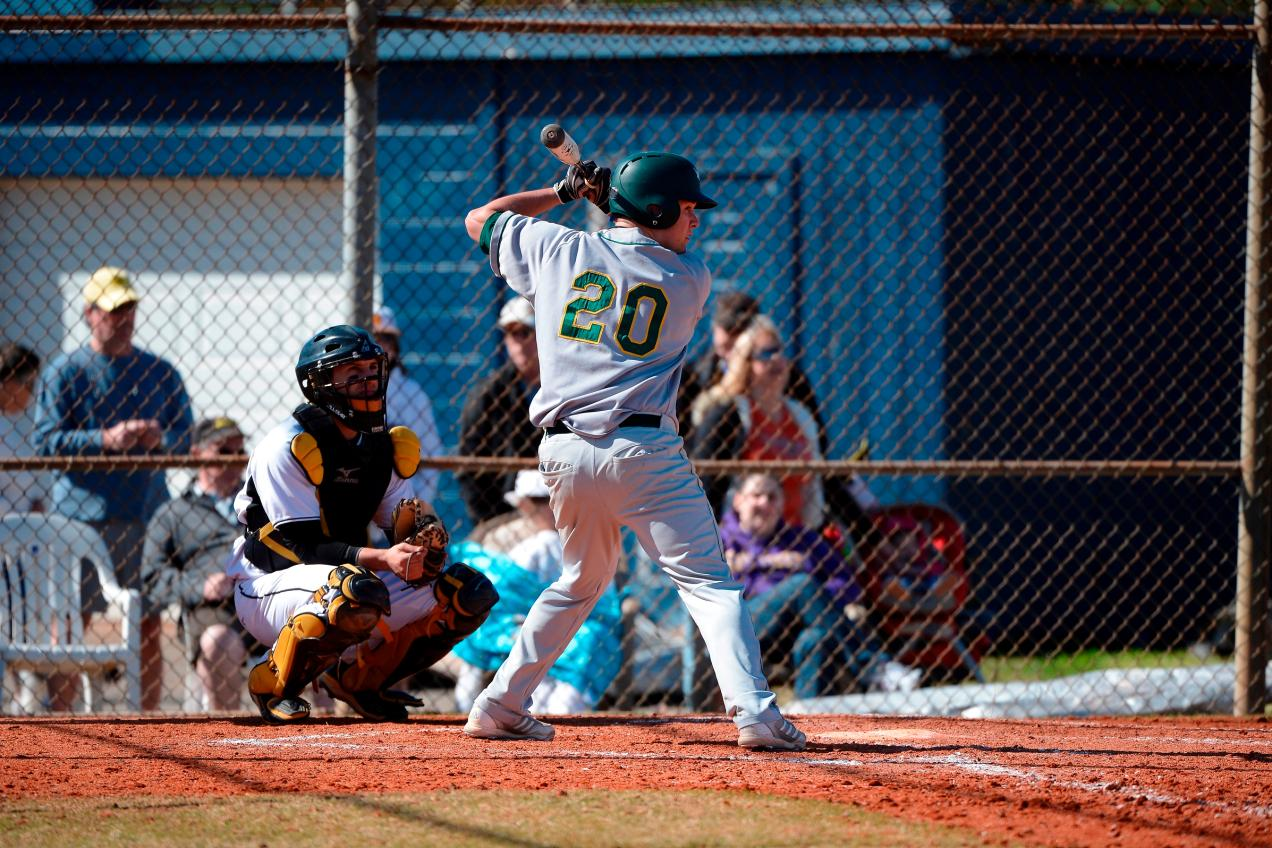 Fitchburg State Sweeps SUNY IT, 14-5/7-3