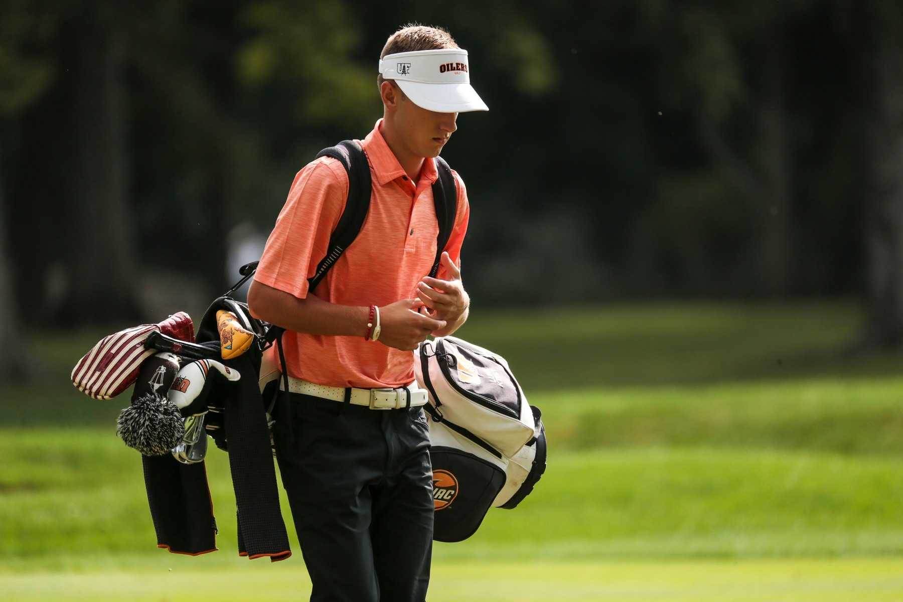 Oilers Golf in Top 4 After First Round